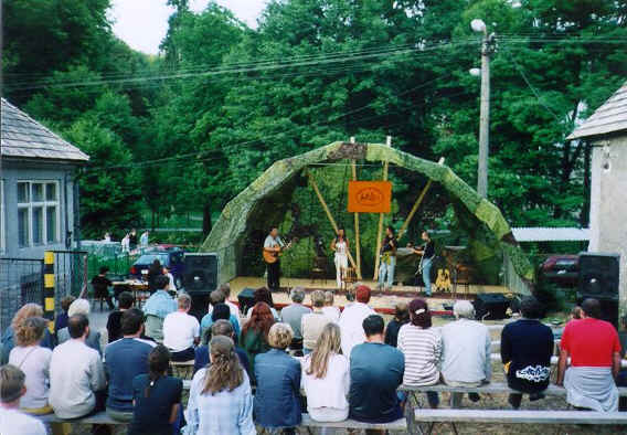 Dejisko festivalu Pramene 2002
